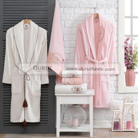 Набор бархатных банных халатов